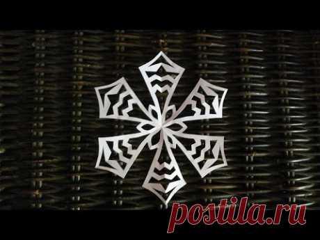 КАК ВЫРЕЗАТЬ СНЕЖИНКУ ИЗ БУМАГИ ПРОСТАЯ How to cut snowflakes