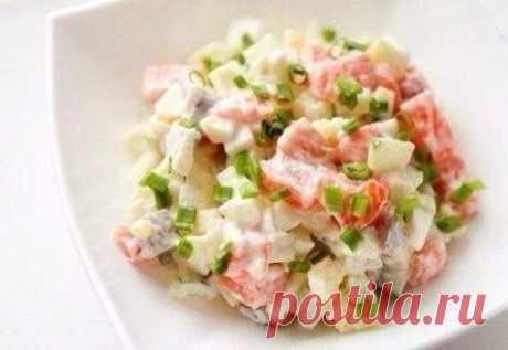 Salmon and cucumbers salad