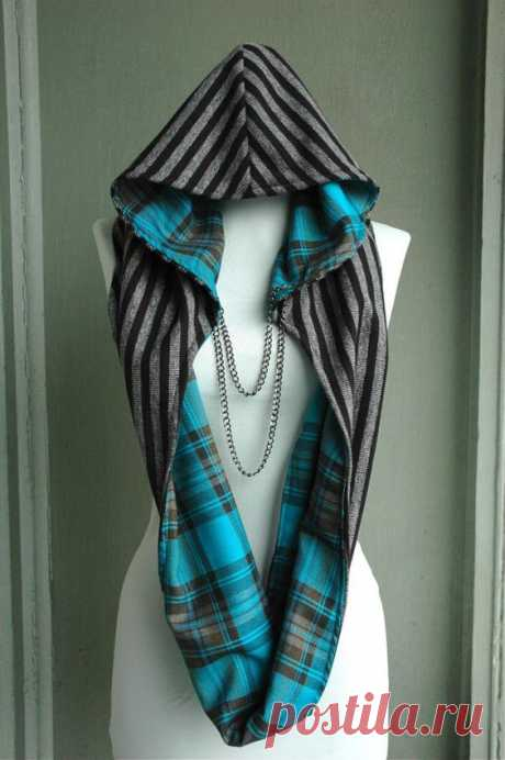 Round scarf about hoods \/ Scarfs \/ Second Street