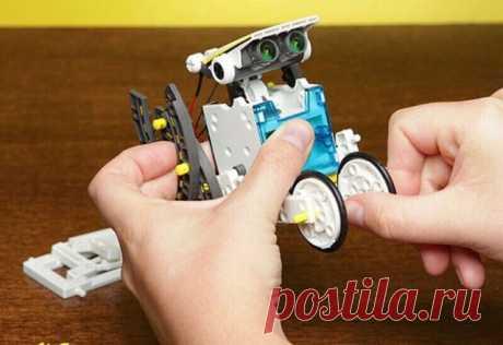 Ребенок дни напролет проводит с этим конструктором Крестные подарили нам обалденный подарок – робота конструктора на солнечной батарее  https://c.verygoodgooods.ru/rd/WPwlBo  . Честно говоря, я даже не знал, что такие бывают, был потрясен игрушкой.