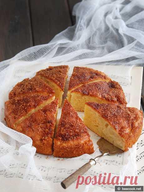 Яблочный пирог с коричной корочкой Простой пошаговый рецепт приготовления вкусного яблочного пирога с ароматной коричной корочкой. Ингредиенты 2 яйца 100 г. сметаны 100 г. сахара 180 г. муки 1,5 ч.л. разрыхлителя 2 яблока 1 ч.л. корицы 20 г...