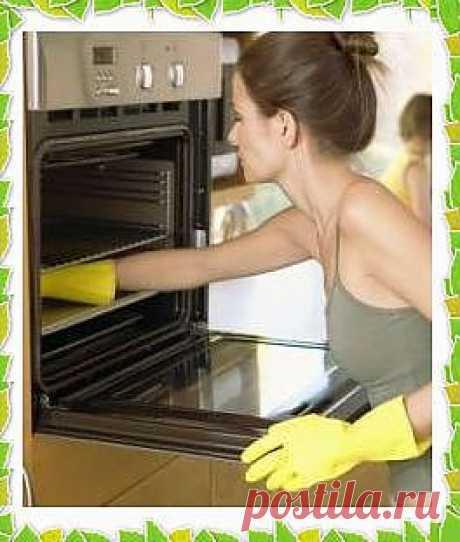 Как почистить духовку подручными средствами.