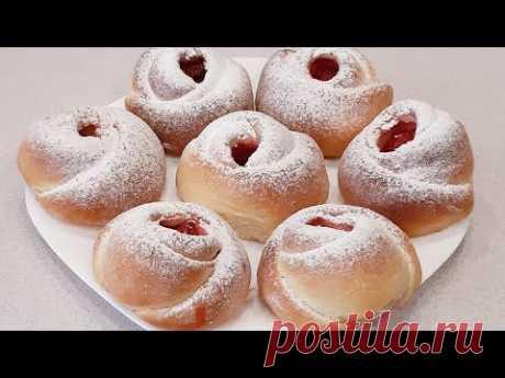 Любимые воздушные булочки с клубникой! Favorite airy buns with strawberries!