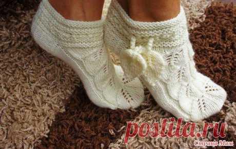 Красивые носочки спицами.