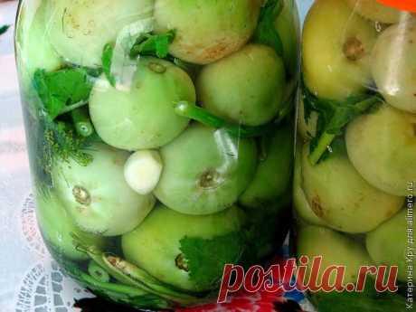 Квашеные зеленые помидоры.