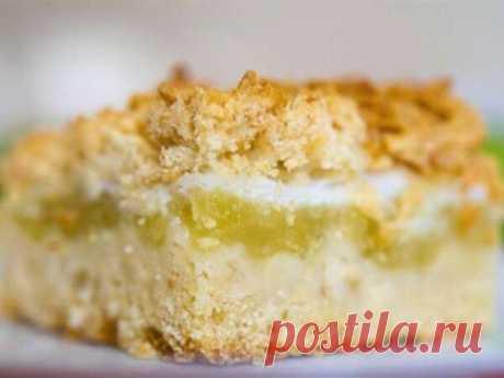 Подсмотрел у тещи простой рецепт насыпного пирога. Она называет его «Стругаль» | Десертный Бунбич | Яндекс Дзен