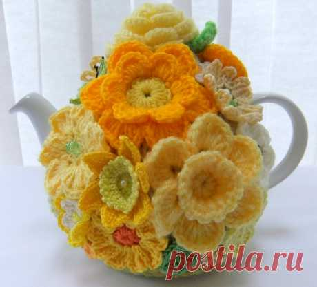Mellow yellow handknitted floral tea cosy | Handmade With Love