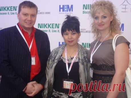 С любимым супругом и  вышестоящим спонсором, платиновым дистрибьютером - Асиловой Алмой