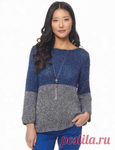 Двухцветный пуловер Двухцветный пуловер, связанный на спицах, из пряжи с металлическим отливом. Описание дано для всех стандартных размеров, включая большие...
