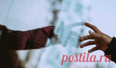 Всегда будьте благодарными за то, что у вас есть, даже если жизнь становится сложной «Если вынеумеете радоваться чашке горячего чая, товаша радость будет недолгой— даже если завтра Бог подарит вам дом. Радость иблагодарность зависят неотразмера подарка, аотспособности радоваться иблагодарить».