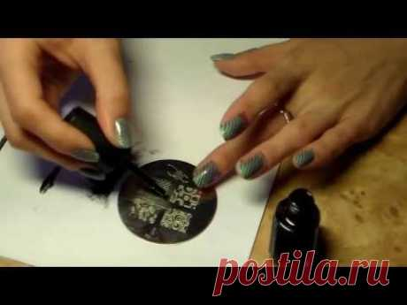 Video lesson of design of nails - a stemping and a gradient