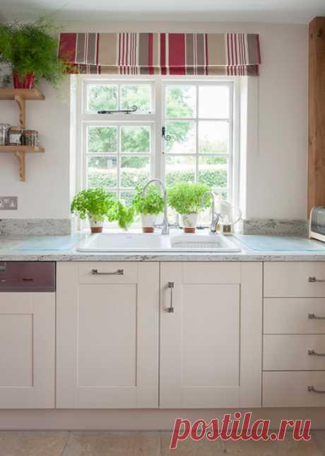 Хранение под раковиной: что и как можно хранить под мойкой на кухне
