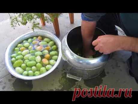 Бочковые зелёные помидоры.