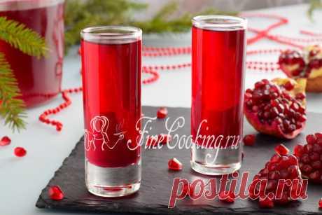 Гранатовый ликер Ну какие праздники без вкусных напитков? Предлагаю попробовать домашний гранатовый ликер с насыщенным рубиновым цветом, приятным, мягким вкусом с едва уловимой терпкостью и не приторной сладостью.