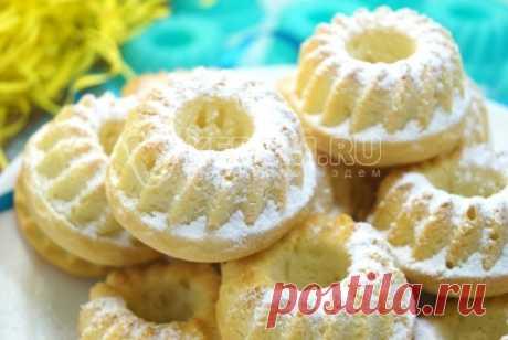 Кексы в силиконовых формочках Нежные маленькие кексы приготовленные в силиконовых формочках для большого чаепития. На выходе получается целых 20 штук.
