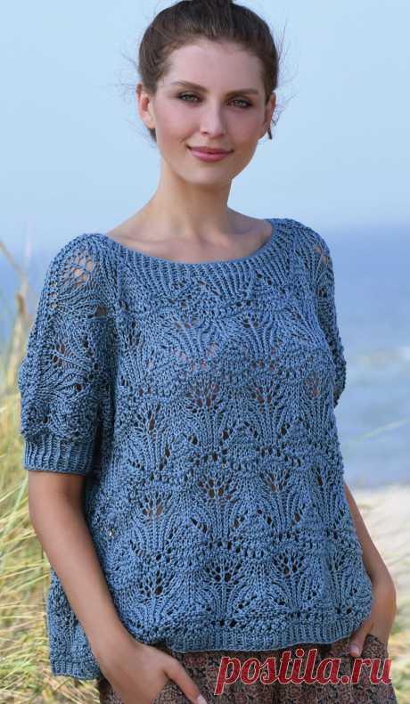 Пуловер с короткими рукавами ажурным узором.