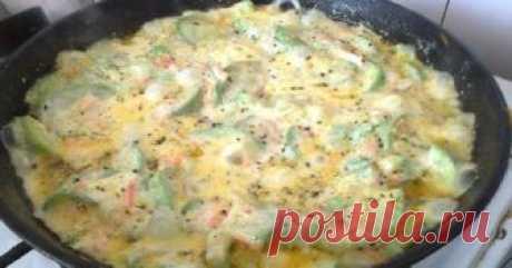 Не жарю кабачки принципиально, готовлю летнюю витаминную закуску со сметаной  Находка!