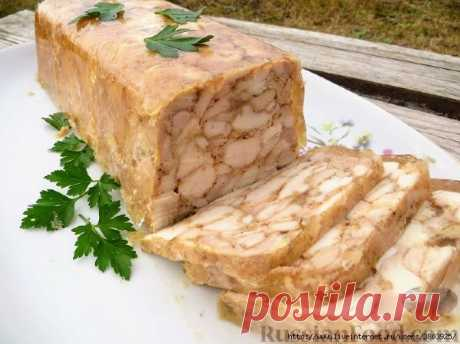 Курица в желе (ветчина в духовке) - плотная, хорошо нарезается и очень аппетитно выглядит