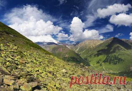 Гора Эльбрус. Сказочные пейзажи в фотографиях Гора Эльбрус. Сказочные пейзажи в фотографиях Так вышло, что самой моей первой поездкой в высокие горы была поездка на Кавказ, на Эльбрус. Тогда у нас была цель взойти на его вершину, что мы успешно ...