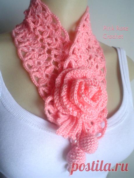 Красивый шарфик с розой