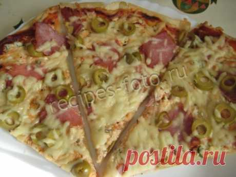 Cottage cheese, sausage and cheese pizza