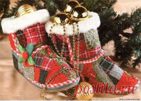 How to sew house slippers boots the hands 2 options.\u000d\u000a\u000d\u000a\u000d\u000a To sew New Year's house boots it will be required by the hands to you: rags of woolen fabrics, fabric a basis (any x \/ fabric), a synthetic winterizer, coarse calico for a lining, a fur strip, a piece of felt or felt insoles. A pattern for the 38th size.\u000d\u000a\u000d\u000a\u000d\u000aThe pattern is given for the 38th size, but you can lead round the on a leaf \u000d\u000afoot and, having put to it bottom details, to adjust the size. Allowances for seams are not NECESSARY!\u000d\u000a\u000d\u000aVykro...