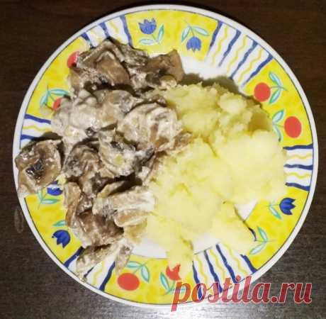 Жареные шампиньоны в сметане - рецепт с фото пошагово