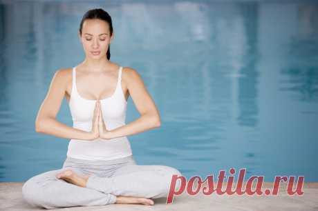 Udzhayi pranayama como una de las prácticas básicas los hatha-yogos