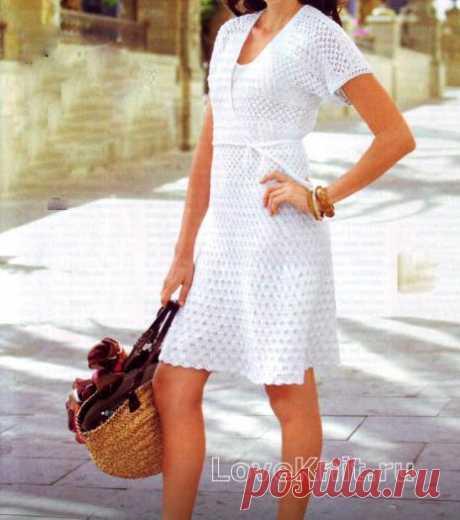 Белое вязаное платье с запахом схема спицами