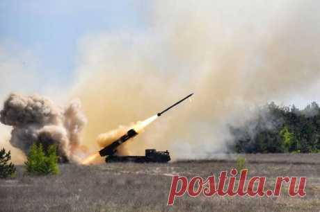 """Ракетный комплекс """"Ольха"""" принят на вооружение ВСУ. Когда в войска? Новейший украинский ракетный комплекс """"Ольха"""" принят на вооружение украинских вооруженных сил. Серийное производство комплекса планируется организовать в ближайшее время, сообщают """"украинские СМИ.  Ка…"""