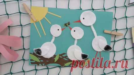 Поделки из ватных дисков. Много идей своими руками для детей Часто совершенно обычным вещам можно найти необычное применение. И я предлагаю вам по-новому посмотреть на окружающие вас предметы. Для этого