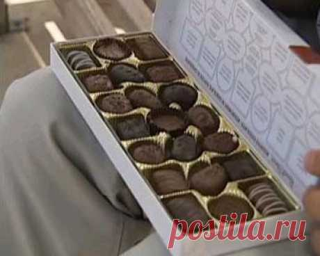 """From what movie this box of chocolate? Hint: 6 awards """"Оскар""""."""