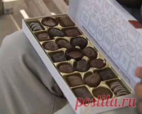 """Из какого фильма эта коробка шоколада? Подсказка: 6 премий """"Оскар""""."""