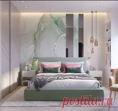 Замечательная спальня с зоной отдыха у окна