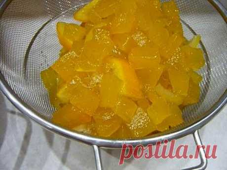 The most tasty candied fruits from pumpkin.