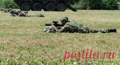 Сербия отходит от советского калибра 7,62 - Все об оружии - медиаплатформа МирТесен Сербские солдаты с новым автоматом М19 Во втором квартале 2020 года сербская армия приняла на вооружение новую модульную автоматическую винтовку M19. Особенностью оружия является не просто замена стволов разной длины, но и бикалиберность исполнения. Оружие можно трансформировать под использование