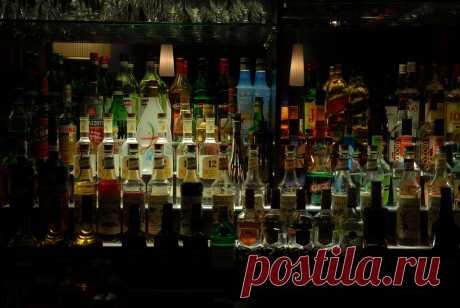 Смешиваем напитки и аперитивы Италии с баром El Copitas Видео рецепты коктейлей,способы смешивать коктейль https://zen.yandex.ru/id/5eb83044a4246925cfa3bf67