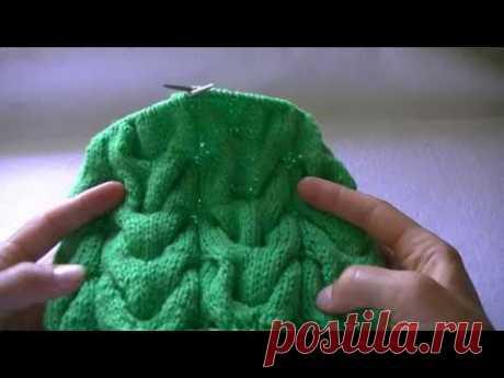 Вязание шапки по кругу узором  объемные косы