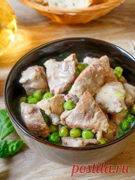 Рецепт свинины в сметанном соусе с горошком на Вкусном Блоге
