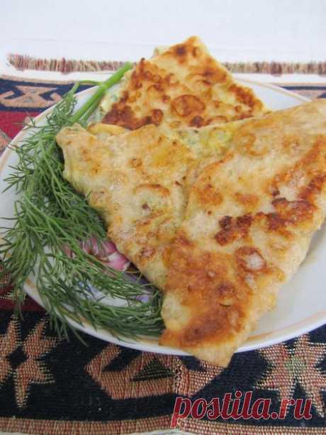 Ёка – быстрый армянский завтрак  Всем добрый день! Вы когда-нибудь слышали о блюде ёка? Нет? Тогда я вам расскажу. Оно довольно популярно в Армении. Чаще всего ёку подают на завтрак, поскольку она довольно калорийная, но и в качеств…