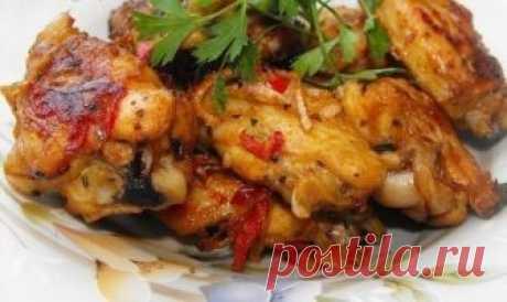 Как приготовить самые вкусные куриные крылышки? Топ-10 рецептов   Забирай себе!     Предлагаем лучшую подборку рецептов приготовления куриных крылышек 1. Крылышки с картошкой Ингредиенты:— 800 грамм крылышек— 500 грамм картофеляМаринад:— 1 столовая ложка майонеза…