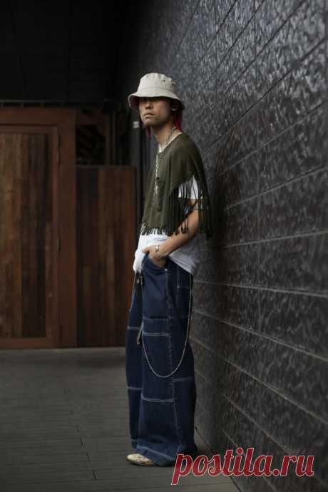 Переделки футболок. Подборка нечастых на второй улице идей переделки мужской одежды (точнее, переделки мужских футболок):Читать дальше