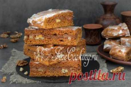 Покровский пряник Сегодня у нас рецепт очень вкусной домашней выпечки - готовим Покровский пряник с вареной сгущенкой и грецкими орехами.