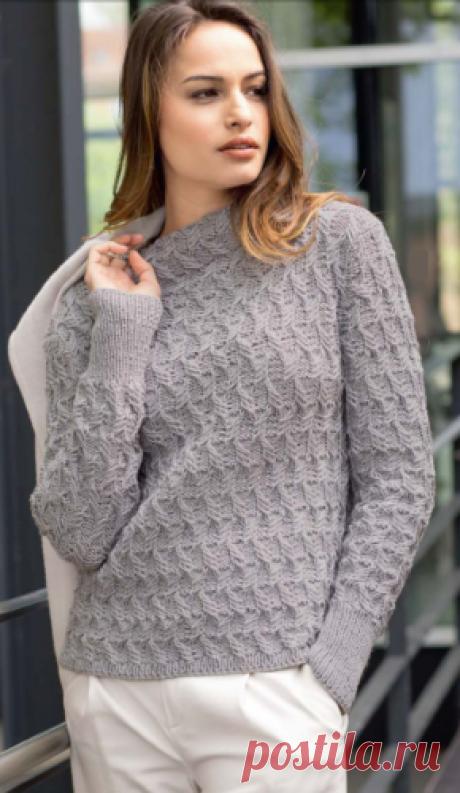 Женский пуловер с воротником-стойкой спицами Женский пуловер с воротником-стойкой, вязаный спицами.