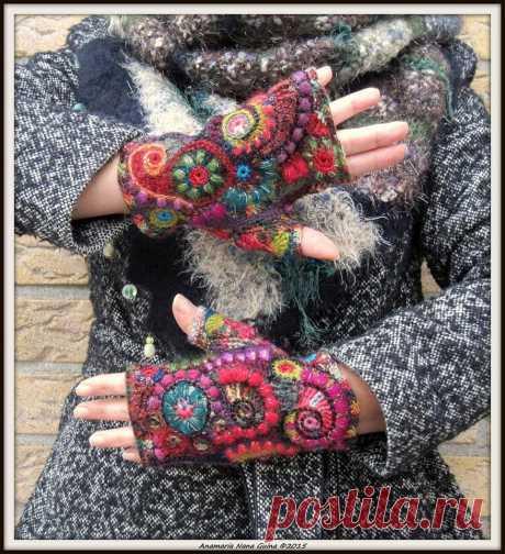 fabulous freeform crochet fingerless gloves by Anamaria Nana Guina … | Needlepoint | Freeform crochet, Fingerless gloves and Gloves