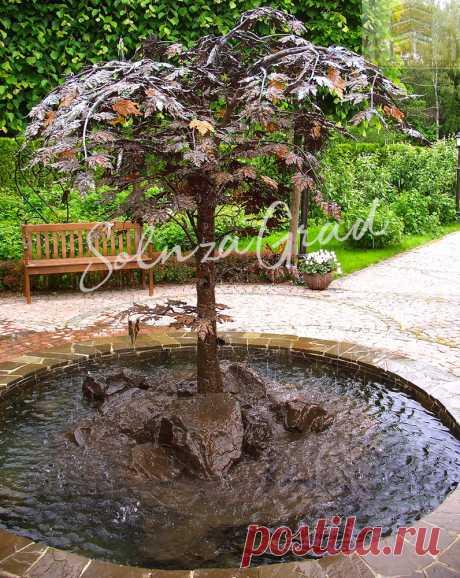 Кованое дерево-фонтан