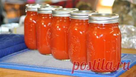 Теперь томатный сок делаю только так, без соковыжималки Переставляем вам рецепт вкусного домашнего сока из томатного сока. Готовить мы его будем без соковыжималки. И получается он очень вкусным. Понравится всем любителям помидоров. Готовится быстро, просто и очень легко. Все продукты берем в произвольном порядке. Необходимые продукты помидоры соль по вкусу Начинаем приготовление Помидоры промываем, отрезаем хвостики и разрезаем на 2 или 4 части. …