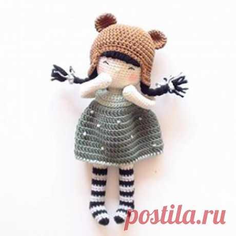 Куколка Элси амигуруми. Схемы и описания для вязания игрушек крючком! Бесплатный мастер-класс по вязанию куклы крючком от nina.hookcreations. Высота вязаной игрушки примерно 25 см. Из описания схемы вы также узнаете как…