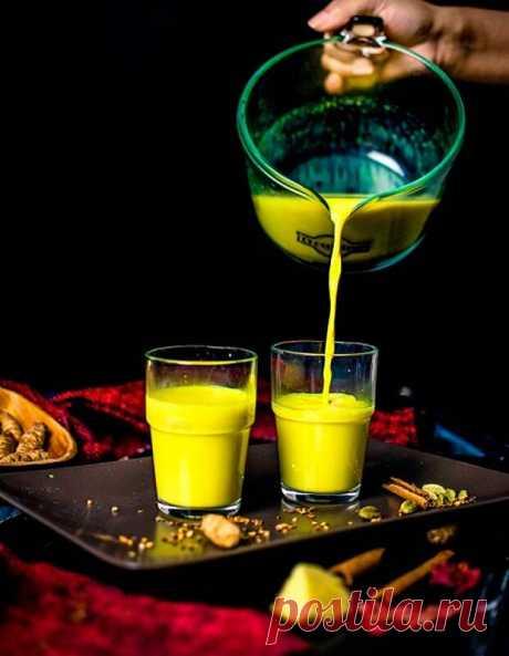 """Индийский напиток долголетия... - Познавательный сайт ,,1000 мелочей"""" - медиаплатформа МирТесен Золотое молоко - традиционный напиток родом из Индии, занявший прочное место в западных культурах. Базовым ингредиентом золотого молока выступает куркума – экзотическая пряность желтого цвета. Она имеет естественные антибиотические и антиоксидантные свойства, а молоко, в свою очередь, - ценный..."""
