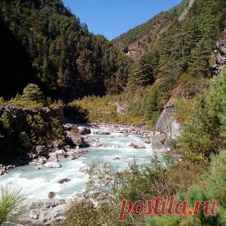 Горная речка. #река,#горы,#непал,#гималаи,#путешествия,#треккинг.
